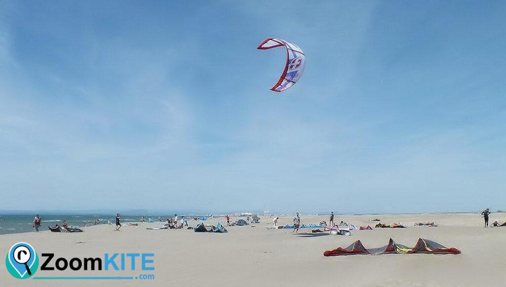 spot de kitesurf plage de l'espiguette a port camargue decollage zoomkite